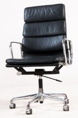 Charles & Ray Eames, Softpad office chair model EA-219 in black for Vitra