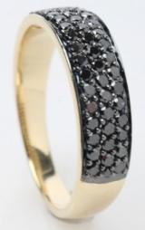 Ring med sorte diamanter fra byfrisenholm, 14 kt. guld, 0.73 ct..