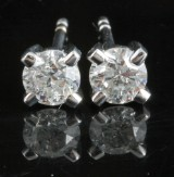 Earrings in 14k set with brilliant cut diamonds 0.70 ct