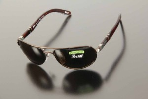 ab385738f23f7 Persol. Dame solbrille