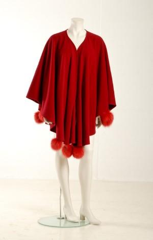 22b01ff8 Slutpris för Baya sjal af rød kashmereuld.
