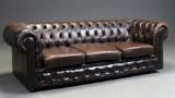 Tre-personers chesterfield sofa, brunt læder
