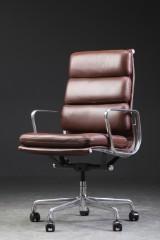 Charles Eames. Soft Pad Bürostuhl, Leder