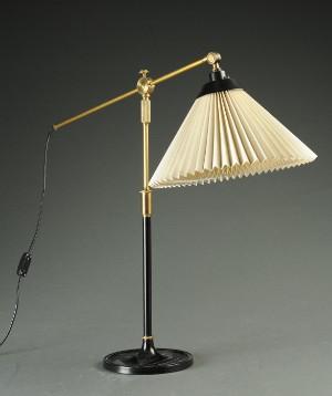 aage petersen for le klint bordlampe teleskoplampe model 338. Black Bedroom Furniture Sets. Home Design Ideas