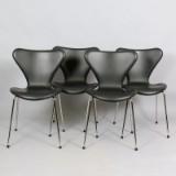 Arne Jacobsen, 7:an stolar, model 3107 i svart läder (4)