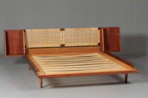 teaktræs seng Hans J. Wegner 1914 2007. Seng af teaktræ | Lauritz.com teaktræs seng