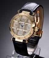 Cartier 'Pasha'. Men's wristwatch in 18 kt. gold with light dial, 2000s