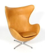 Arne Jacobsen. Lænestol, 'Ægget', naturlæder