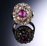 Vintage rubin- og old cut diamantring af guld, I alt ca. 4.50 ct.