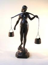 Weiblicher Akt als Wasserträgerin, Bronze, deutsch 1930er Jahre