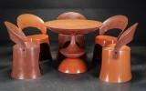 Nanna Ditzel. Spisestole/havestole samt 'Trisse' bord, glasfiber (6)