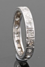 Platinum diamond eternity ring approx. 0.30ct