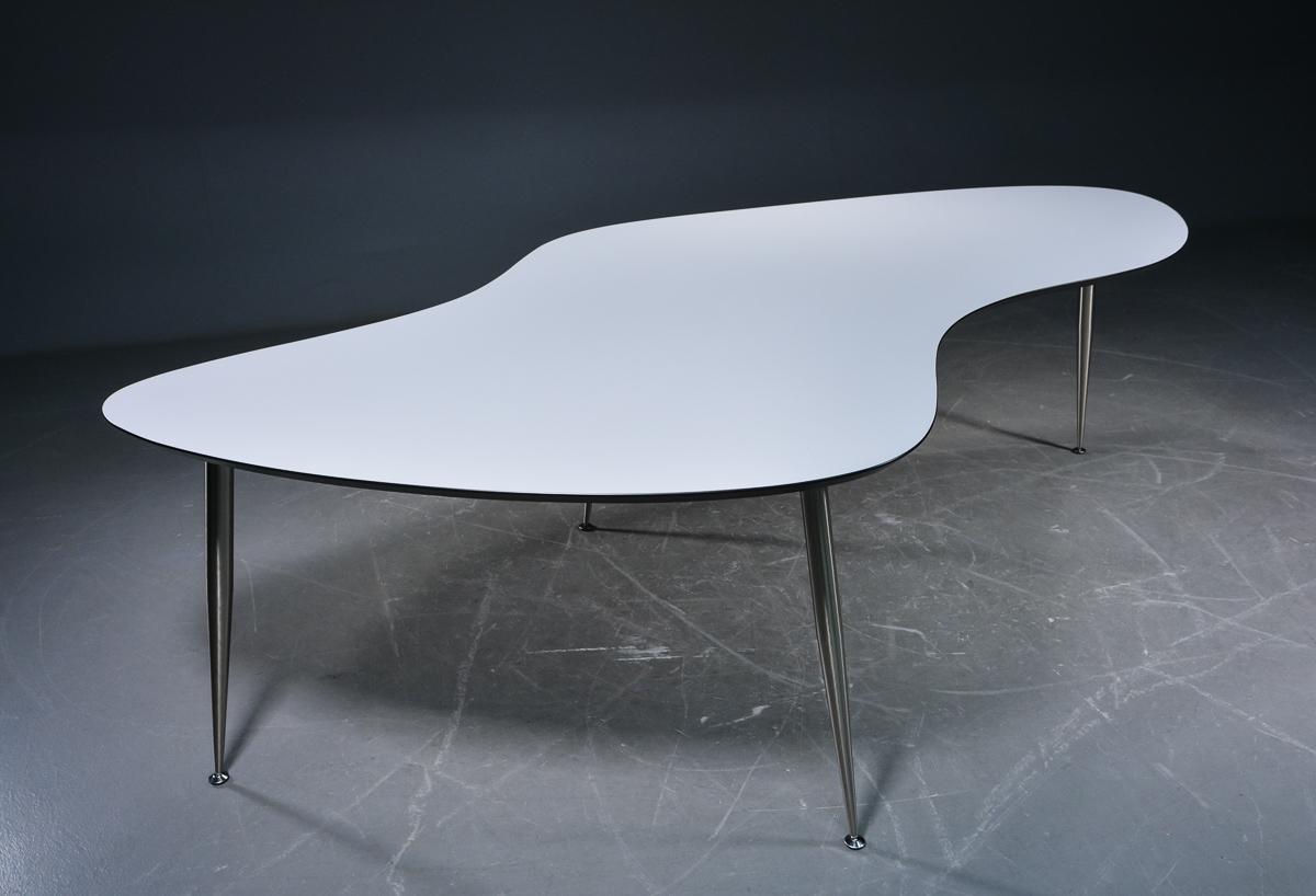 Auktionstipset - Dansk Møbelproducent. Arbejds-/spisebord model aMoebe