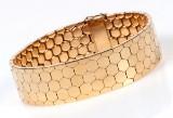 Armbånd. 'Bikube' mønster, 18 kt. guld, 58,8 gram