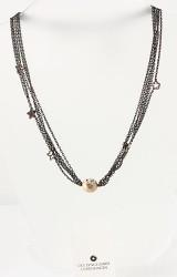Ole Lynggaard. Spring Time smykkelås af 14 kt. guld med oxyderet kæde af sølv. (2)