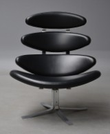 Poul M. Volther. Corona lounge chair with black leather, model EJ 5