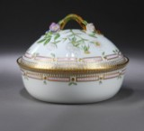 Royal Copenhagen/Royal Porcelain Factory. Flora Danica porcelain terrine, No. 20/3568