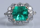 An English emerald and diamond ring, 18 kt. white gold, 2.46 ct.