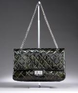 Chanel skuldertaske, XL, model 2.55 REISSUE JUMBO, Double flap, quiltet patentæder
