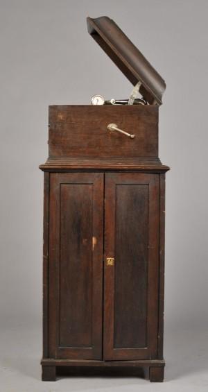 grammofon his masters voice replica med tilh rende m bel. Black Bedroom Furniture Sets. Home Design Ideas