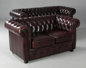Chesterfield möbel  Möbel Art. Chesterfield sofaer, gennemfarvet oksehud (2) | Lauritz.com