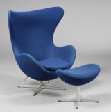 Arne Jacobsen. The Egg, lounge chair and ottoman, model 3316 (2)