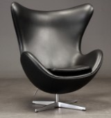 Arne Jacobsen. Das Ei, Modell 3316, schwarzes Leder, Brown Label