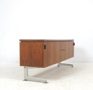 freistehemdes sideboard der 1960 70er jahre in palisander. Black Bedroom Furniture Sets. Home Design Ideas