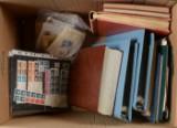 Flyttekasse med samling frimærker