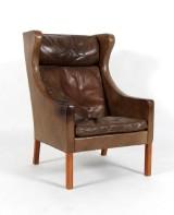 Børge Mogensen. Øreklapstol med brunt læder, model 2204