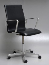 Arne Jacobsen. Oxford office chair, black leather