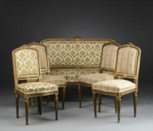 lot 4253721 m blement i louis xvi stil sofa og fire stol. Black Bedroom Furniture Sets. Home Design Ideas