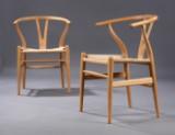 Hans J. Wegner. Et par Y-stole, model CH-24, bøg, Sæde H. 42 cm.  (2)