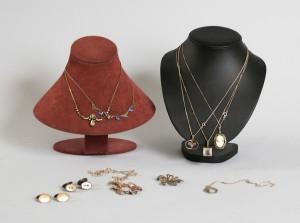 Samling smycken, silver, bl a halsband samt manschettknappar, vikt ca 85 gram