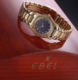 Ebel '1911 Sport Lady'. Ladies watch, 18 kt. gold, with silver-grey dial and diamonds, c. 2000