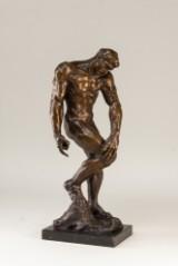 Skulptur i patineret bronze
