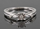 Diamond ring, 14kt. white gold, approx. 0.05ct