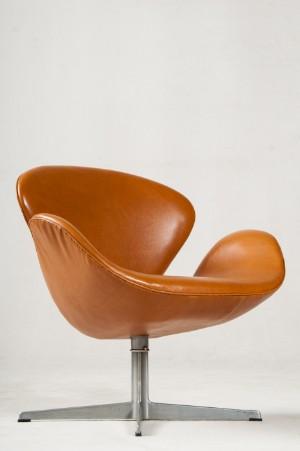 Slutpris För Arne Jacobsen Swan Chair Mit
