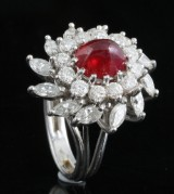 Diamond and ruby ring, 18kt. white gold, approx. 2.00ct