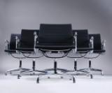 Charles Eames. Sæt på seks armstole, model EA 108, sort hopsak. (6)