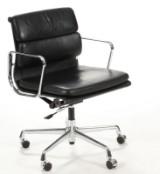 Charles Eames. Soft Pad kontorstol, model EA-217
