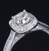 Diamantring af 14 t hvidguld med radiantsleben diamant på ca. 1.04 ct