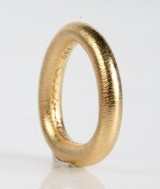 Ole Lynggaard. 'Celebration' ring, 18 kt guld