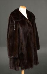 Fur coat, by Saga mink- size 36 - Levinsky