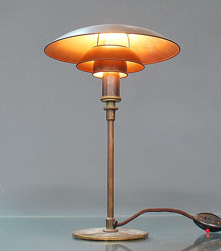 Poul Henningsen 1894 1967: PH 32 table lamp, early model, Pat. appl., 1926
