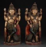 Et par indiske 'tempelvogtere' af træ, 1800/1900-tallet (2)