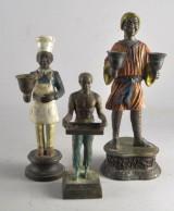 Skulturer 3 st, varav 2 st med ljushållare. 1900-talets senare del. (3)