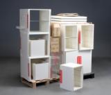 Butiksinventar i form af hvid lakerede reol / kasse-moduler, moduler (25 + diverse)