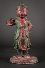 Kinesisk figur af delvis bemalet bronze