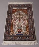 Iransk bedetæppe. 165 x 89 cm.